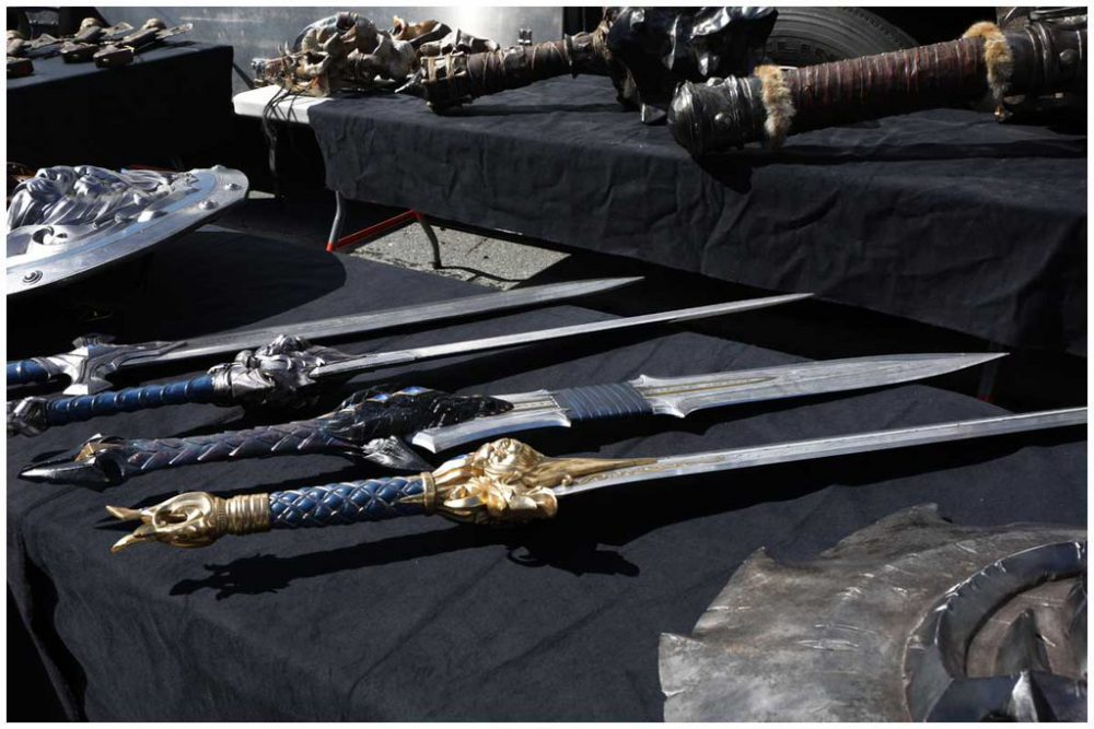 warcraft_movie_weapon_props